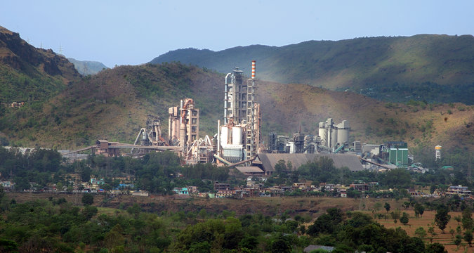Connecting CCTV cameras wirelessly across a cement plant in Navi Mumbai . India